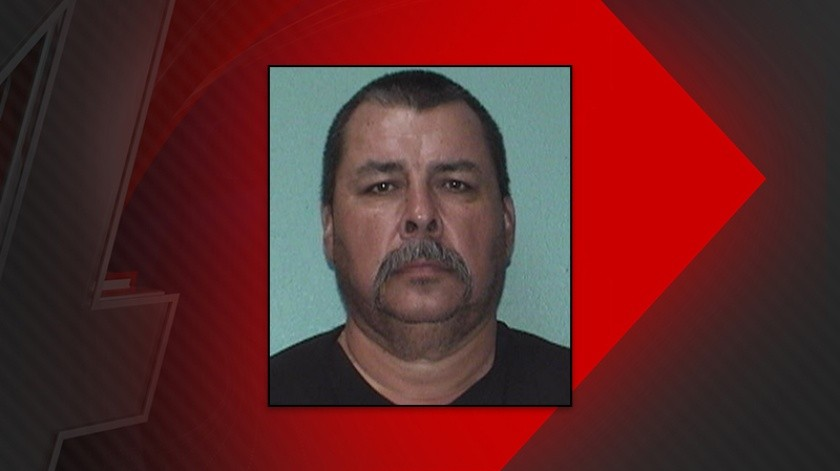 Lawrence Larson, de 50 años, es acusado de contacto sexual criminal en tercer grado.(Kob)