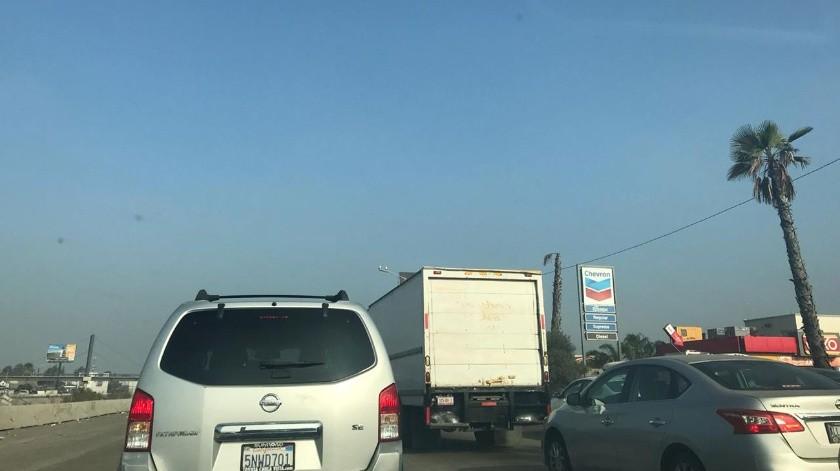 Causa congestionamiento vial persona sin vida en Vía Rápida