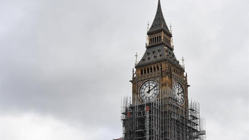 No habrá rutas migratorias previstas para personas que lleguen sin oferta laboral o bien que aspiren a trabajar como autónomos en el Reino Unido.(EFE)