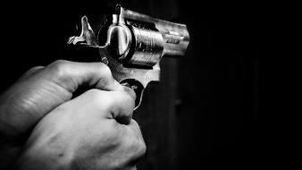 Mexicano demanda a agente ICE que le disparó en la cara