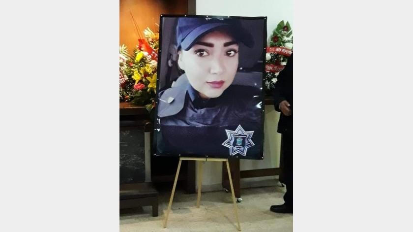 Hoy día, la oficial, quien estaba comisionada en la Marina, está siendo velada en una funeraria de Guaymas, mientras su padre en una de Sinaloa.(Especial)