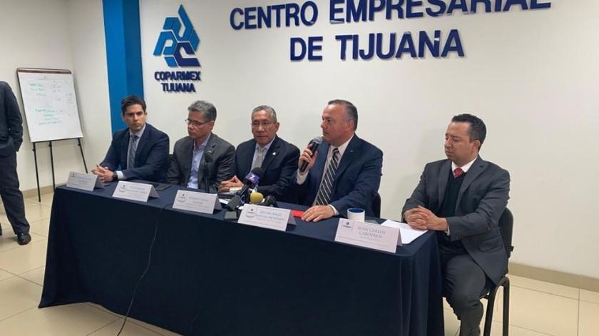 Coparmex y Canirac ofrecieron conferencia tras la persecución  que culminó en sus oficinas.