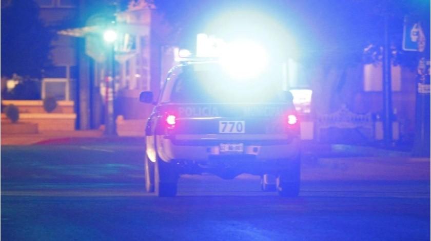 Desde auto, hombre salva a mujer que tenían tomada por el cuello(GH)