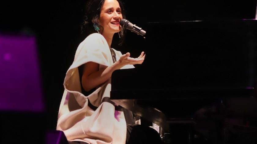 Julieta Venegas 'sola y sin adornos'(Sergio Ortiz)