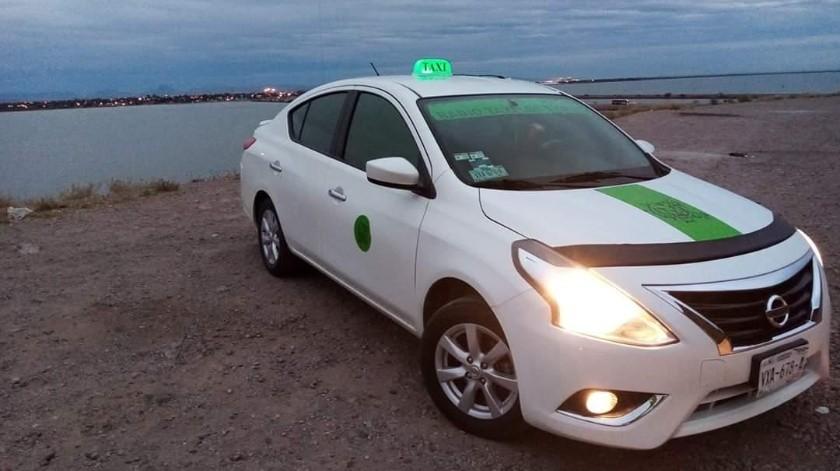 Este es el taxi que conduce Alejandro Meza Márquez.(Especial)