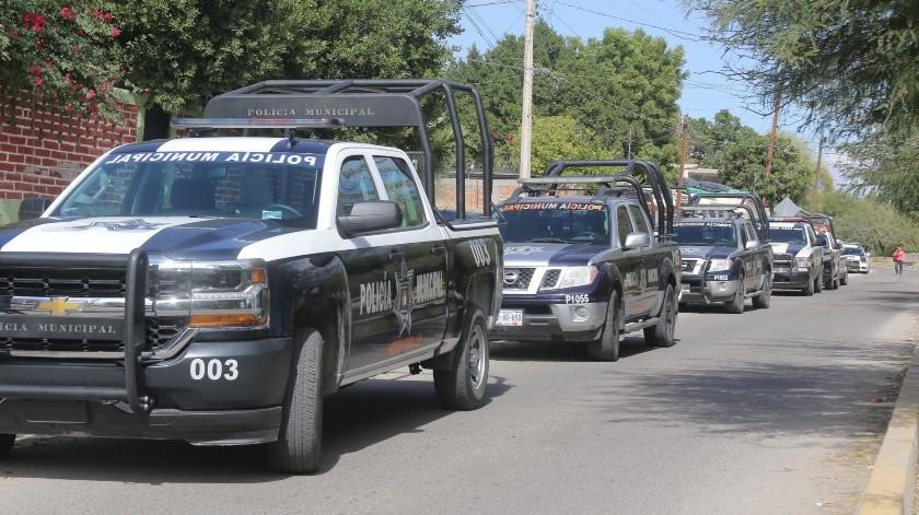 Policías municipales recuperaron una camioneta con reporte de robo tras una persecución.(Banco Digital)