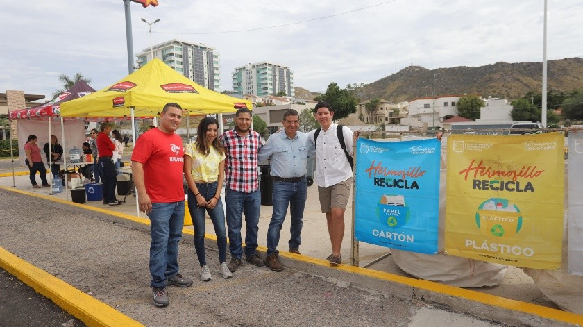 Representantes de las sociedades de alumnos de la Unison se suman a los Recliclacentros.(Anahí Velásquez)