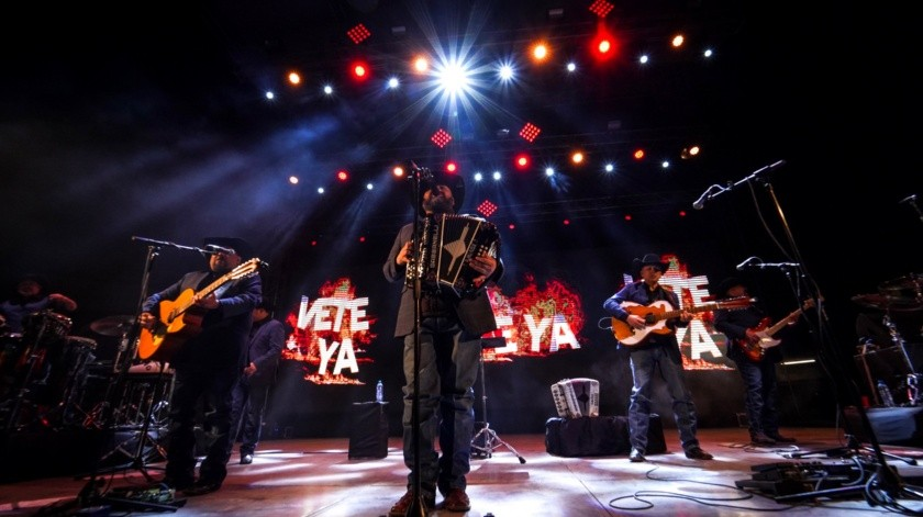 Intocable en concierto(VICTOR MEDINA)