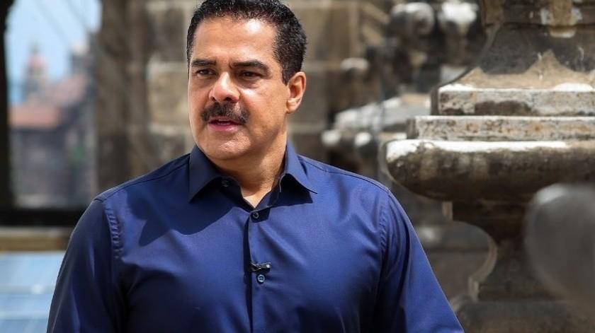 Javier Alatorre se convirtió en tendencia luego de que TV Azteca y él compartieran un video donde aparece sin su característico bigote.