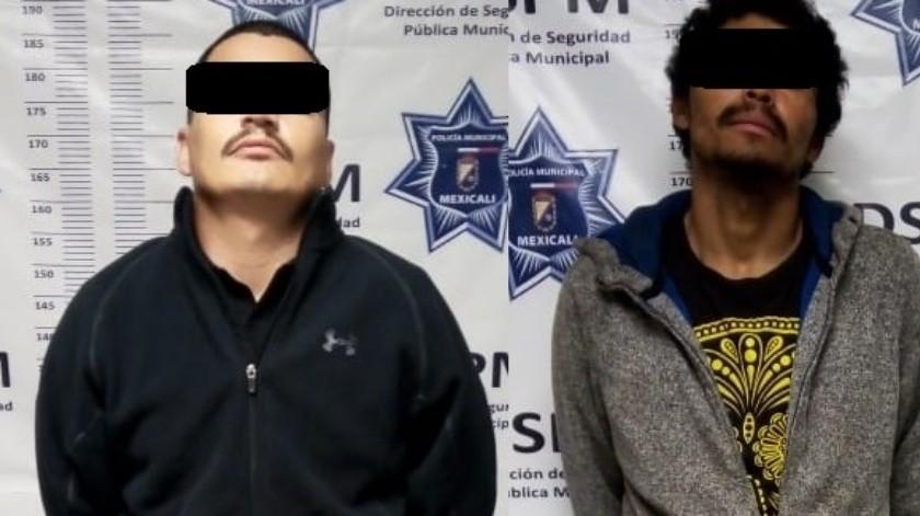 Arrestan a dos cortando el cerco fronterizo en Mexicali(Cortesía)