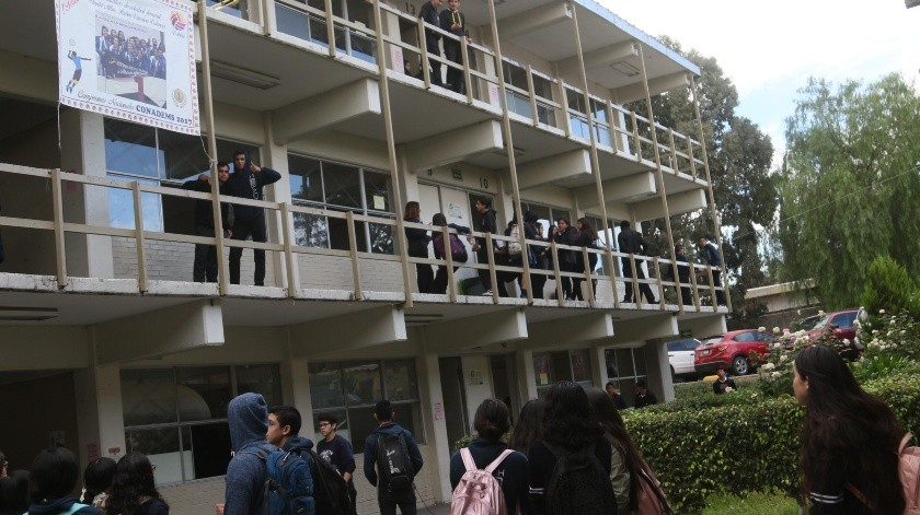 Especialista señala que lo indicado es tener 25 estudiantes en cada salón de clase.(Sergio Ortíz)