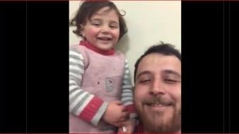 Hace unos días se viralizó en Internet una grabación en la que Mohamed hacía creer a su hija que las bombas eran fuegos artificiales lanzados por niños.