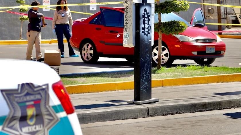 Ejecutan a hombre afuera de tienda(Javier Gallegos)