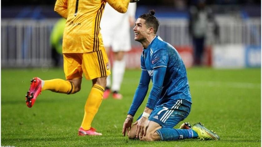 Cristiano Ronaldo y Juventus cayeron contra Lyon en duelo de ida de la Champions League(EFE)