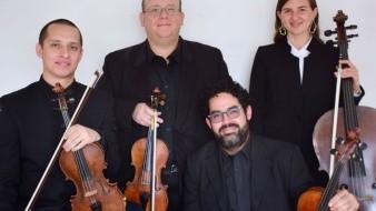 Los integrantes del cuarteto de cuerdas Virá son Apolo Pachinski, Raúl Mendoza, Mauricio Prieto y Victoria Getman.