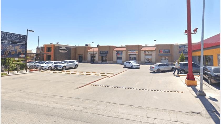 Una mujer fue víctima de un asalto anoche en el estacionamiento del restaurante Chiltepinos, localizado en una plaza en bulevares Quiroga y Navarrete...(Google Maps)