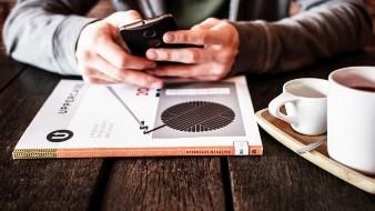 Monreal propone que mexicanos no antiendan su celular fuera de su horario laboral