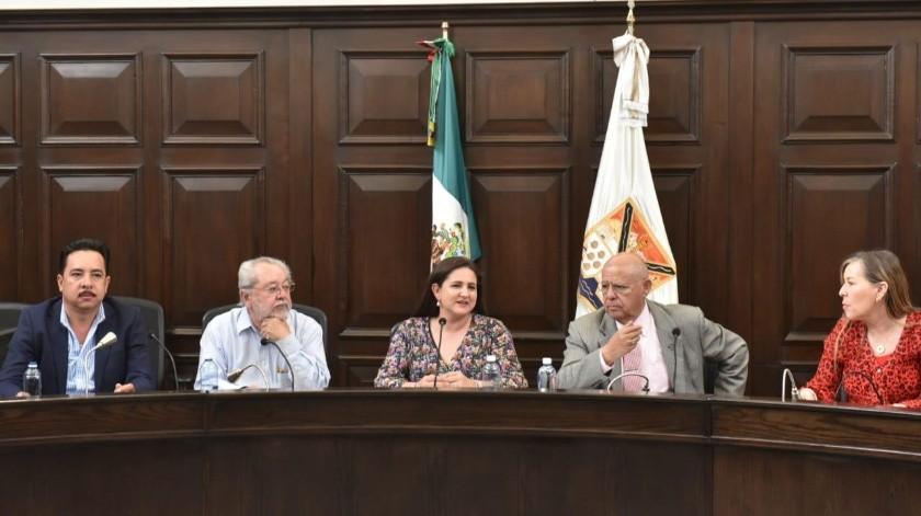 La alcaldesa de Hermosillo, Célida López Cárdenas, y  miembros del Cabildo, acuerdan apoyar las manifestaciones de las mujeres en su lucha contra la violencia de género.(EL IMPARCIAL)