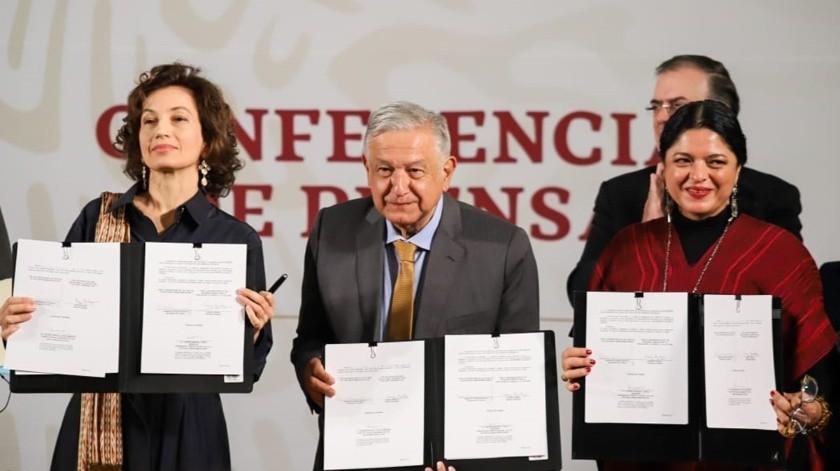 El presidente de México, la directora general de la Unesco, Audrey Azoulay, y la Secretaria de Cultura, Alejandra Frausto-(El Universal)