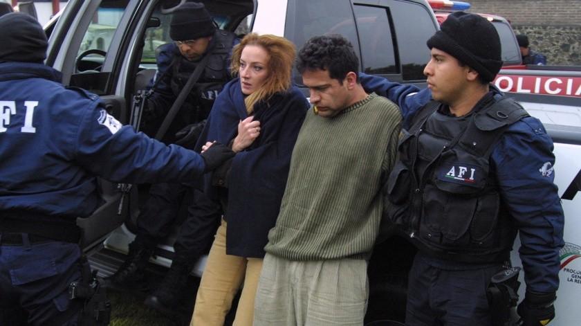 Florence Cassez (izq.) e Israel Vallarta (der.), en custodia de la AFI(AP)