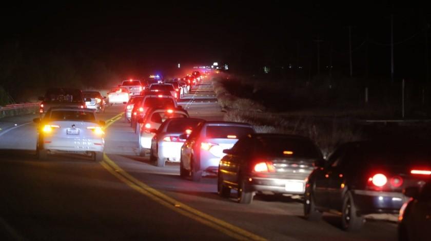 Avanza despacio la circulación en la carretera a Bahía de Kino, después del ataque armado(Redacción Gh)