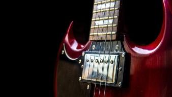 Hombre golpea con guitarra a su hijo hasta la muerte