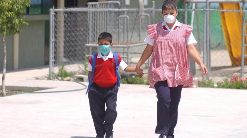 Los menores deberán ser atendidos por médicos antes de regresar a clases.(Sergio Ortiz)