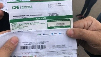 Usuarios Unidos por Sonora bloquean edificio de CFE en Nogales