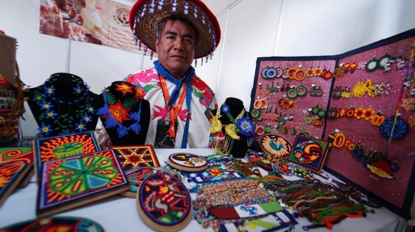 Arte huichol: De Nayarit a la frontera norte(Víctor Medina)