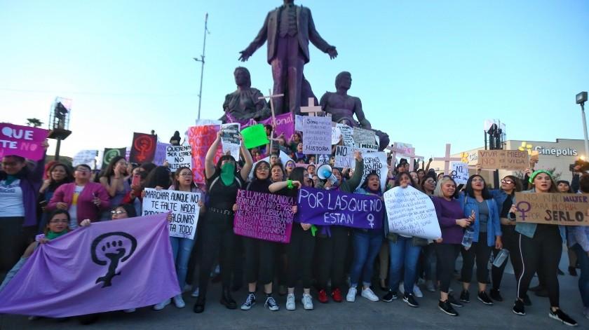 Denunciarán daños a monumento en marcha femenina(Daniel Reséndiz)