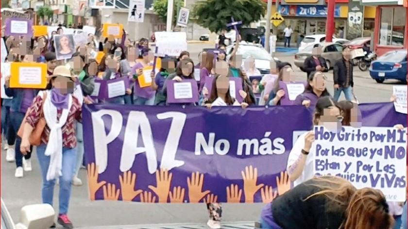 Para exigir justicia y seguridad, decenas de mujeres participaron en la marcha conmemorativa del 8 de marzo.