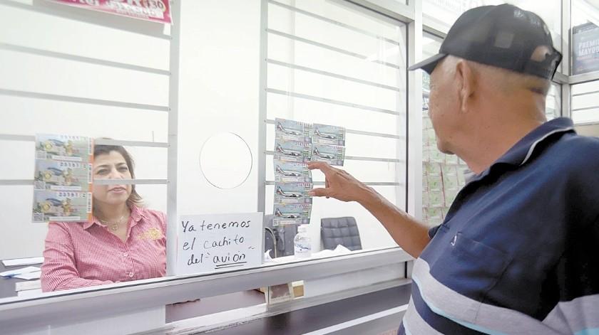 Llegan a Sonora boletos para la rifa del 'avión presidencial'(Teodoro Borb�n)