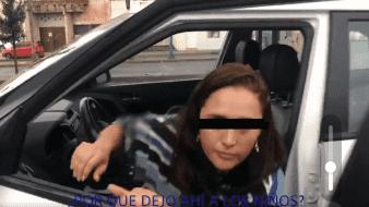 VIDEO: Exhiben a mujer que abandonaba a niños; ella acusa