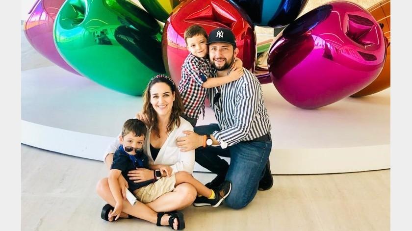 Ramsés Vera, su esposa Guadalupe y dos hijos, Juan Lucas y Nicolás, viven en Milán, Italia.(Especial)