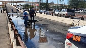 Bache en puente del Solidaridad afecta al menos a cuatro vehículos