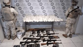 Decomisan arsenal y drogas en el valle de Mexicali