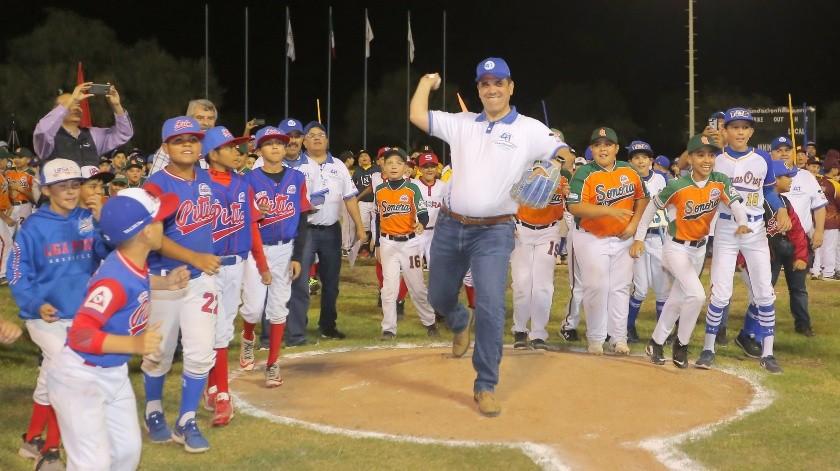 El evento fue encabezado por el presidente del Consejo de Administración de Grupo Healy.(Julián Ortega)