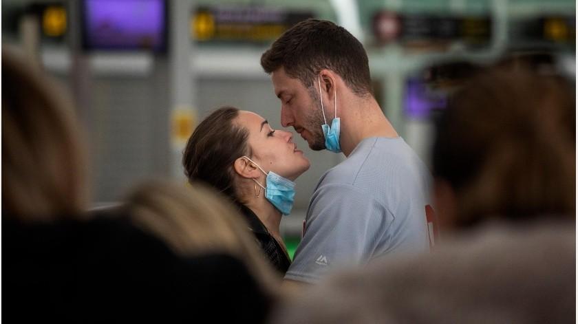 EU: Largas esperas en aeropuertos por regreso de viajeros ante restricciones por Covid-19(AP)