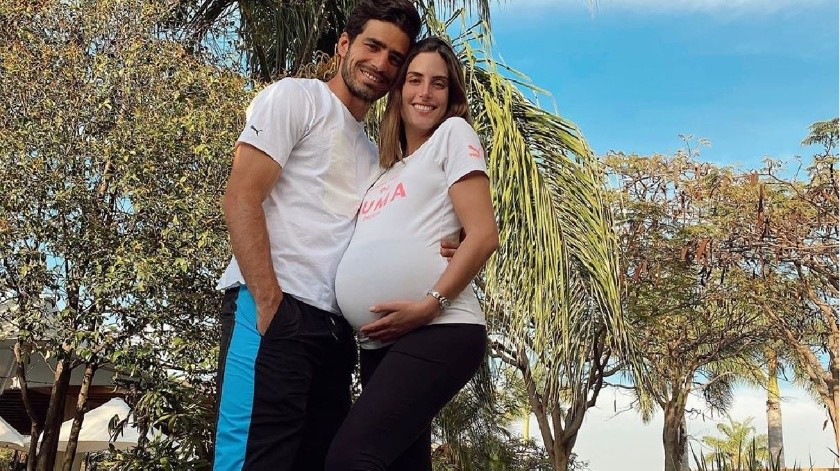 """¡De la cancha al hospital! """"Pollo"""" Briseño ve nacer a su hija(Instagram/ pollobv)"""