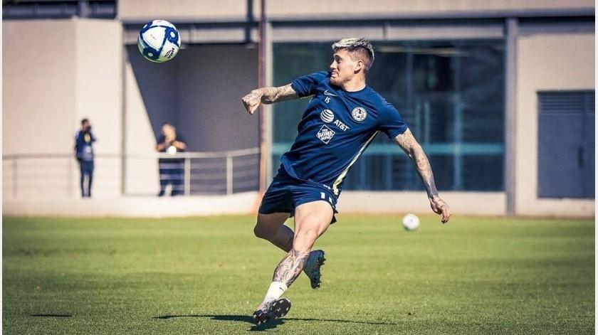 Nicolás Castillo ya comenzó con su recuperación(Instagram @castillo30__)