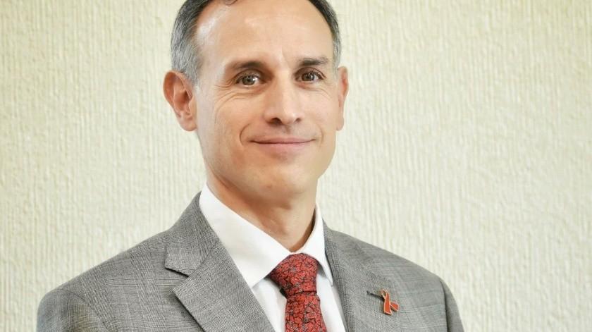 El Dr. Hugo López-Gatell Ramírez, subsecretario de Prevención y Promoción de la Salud, es médico Cirujano, especialista en Medicina Interna, maestro en Ciencias Médicas y doctor en Epidemiología.