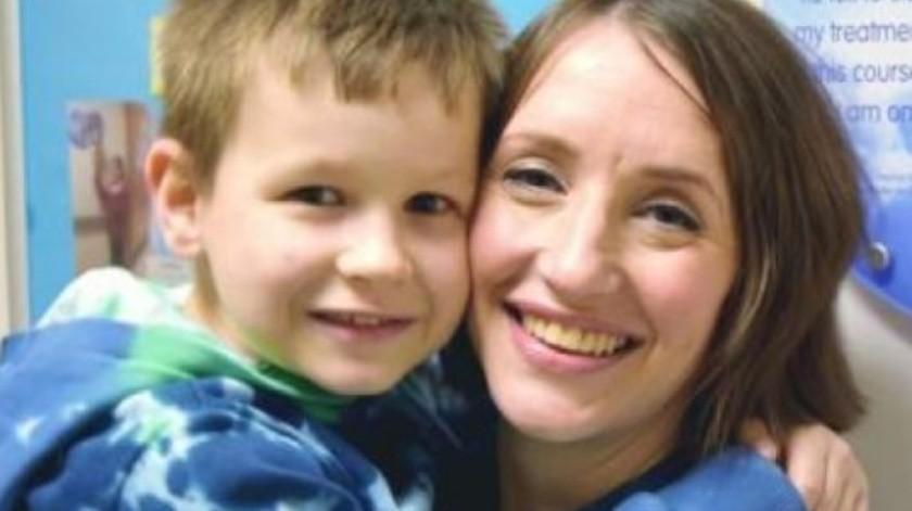 Madre e hijo derrotan el cáncer al mismo tiempo