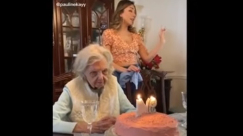 Tétrico deseo de cumpleaños de una abuelita se vuelve viral