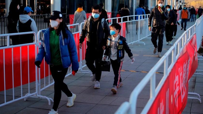 Bajan los casos de COVID-19 en China.(EFE)