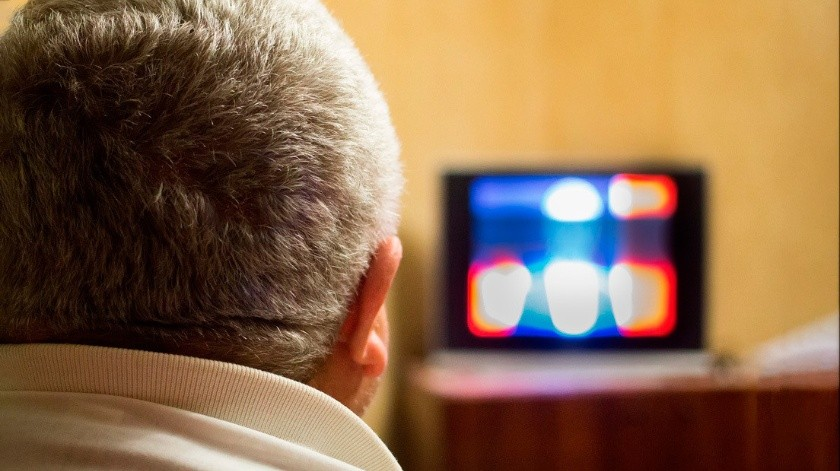 VIDEO: Telepredicador 'cura' del coronavirus a sus seguidores a través de la pantalla en EU(Pixabay)