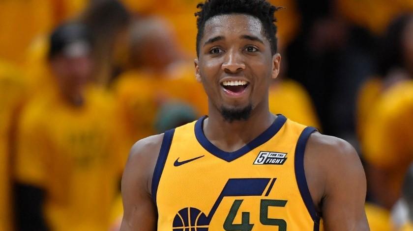 Mitchell fue contagiado por su compañero de equipo Rudy Gobert, quien fue el primer elemento de la NBA en dar positivo por el virus, apenas la semana pasada.
