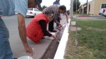 Vecinos de la Quintana Roo quitan franja roja de su calle