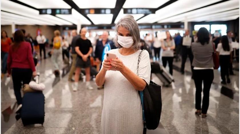 Argentina registró hasta este martes 79 casos de coronavirus y dos muertos, todos contagios importados o de personas con contactos estrechos con personas infectadas en el exterior.(EFE)