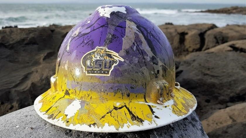 Encuentran en playa de Irlanda un casco perdido en el río Misisipi(Burren Shores - Beachcombing & more @Burrenshores)