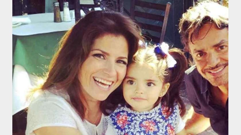 Critican a Alessandra Rosaldo por pasear a su hija en Los Ángeles.(Tomada de la red)
